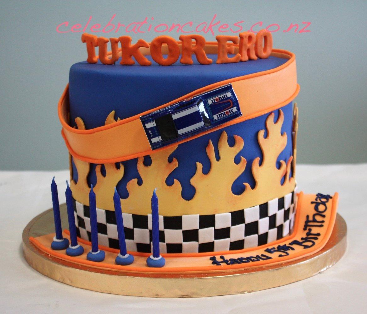 Bánh sinh nhật đường đua xe