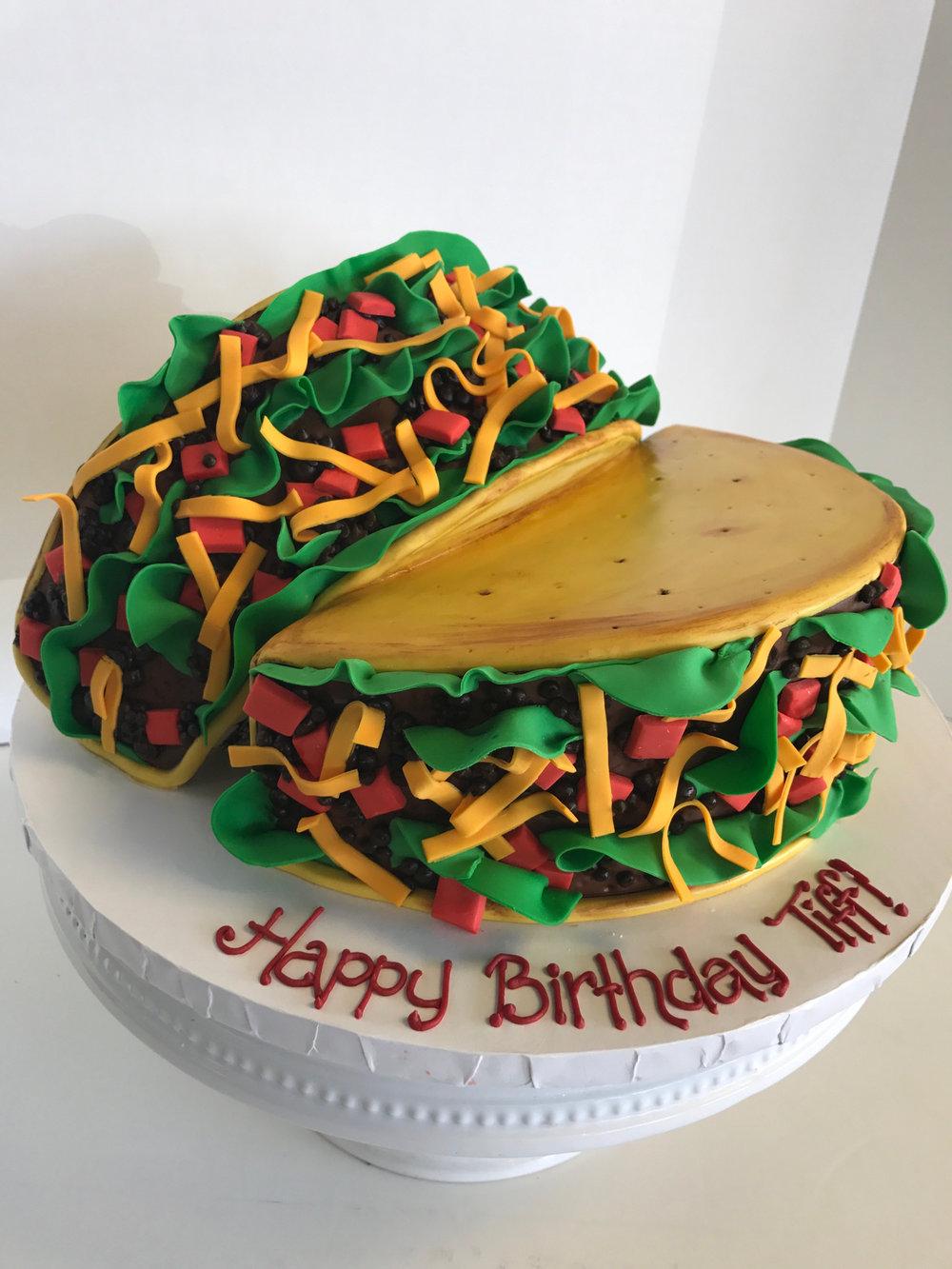 Bánh sinh nhật hình bánh mì