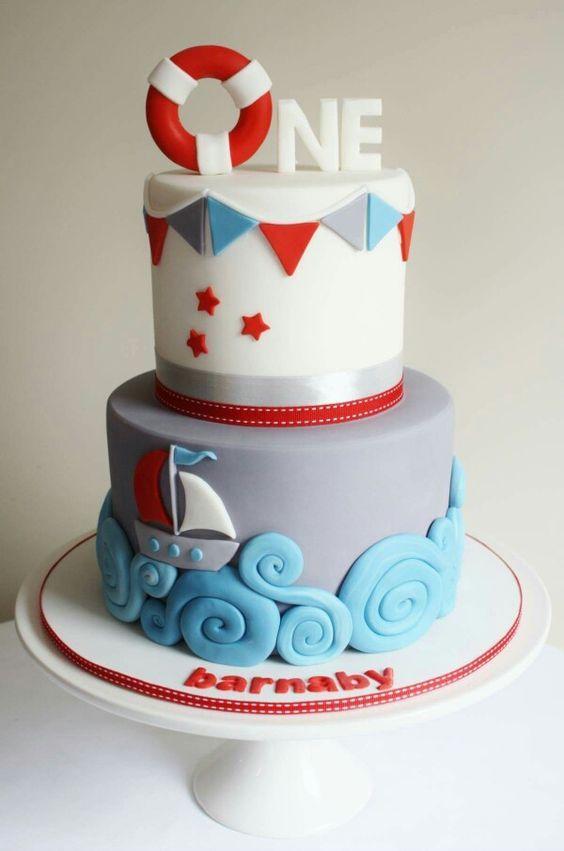 Bánh sinh nhật hình cứu hộ bể bơi
