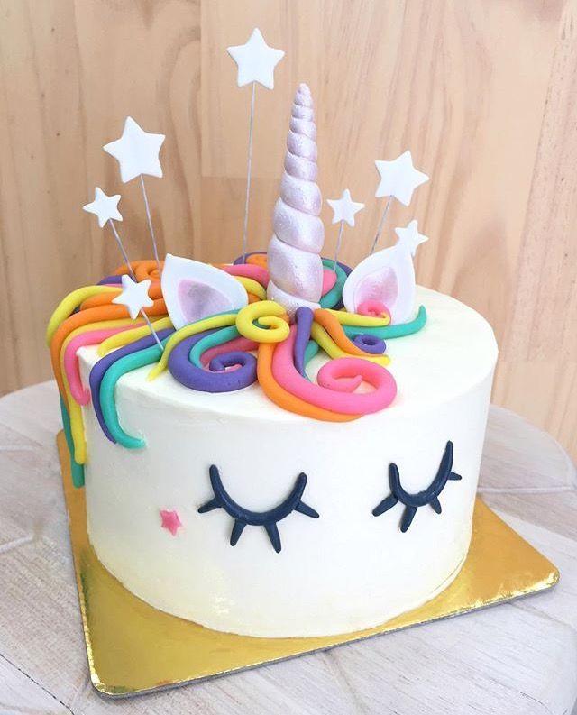 Bánh sinh nhật hình ngựa dễ thương