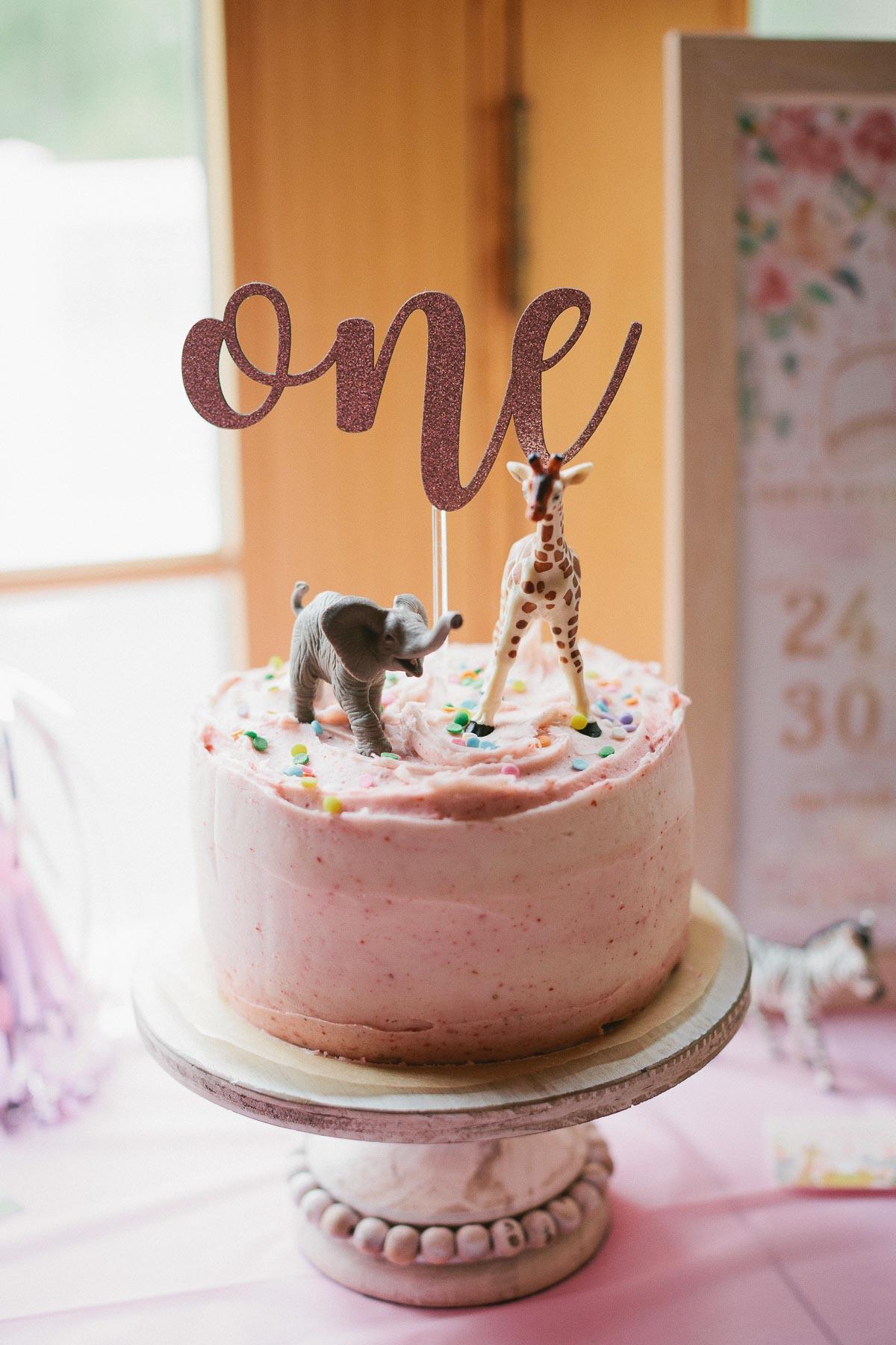 Bánh sinh nhật một tuổi