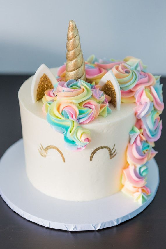 Bánh sinh nhật ngựa cầu vồng