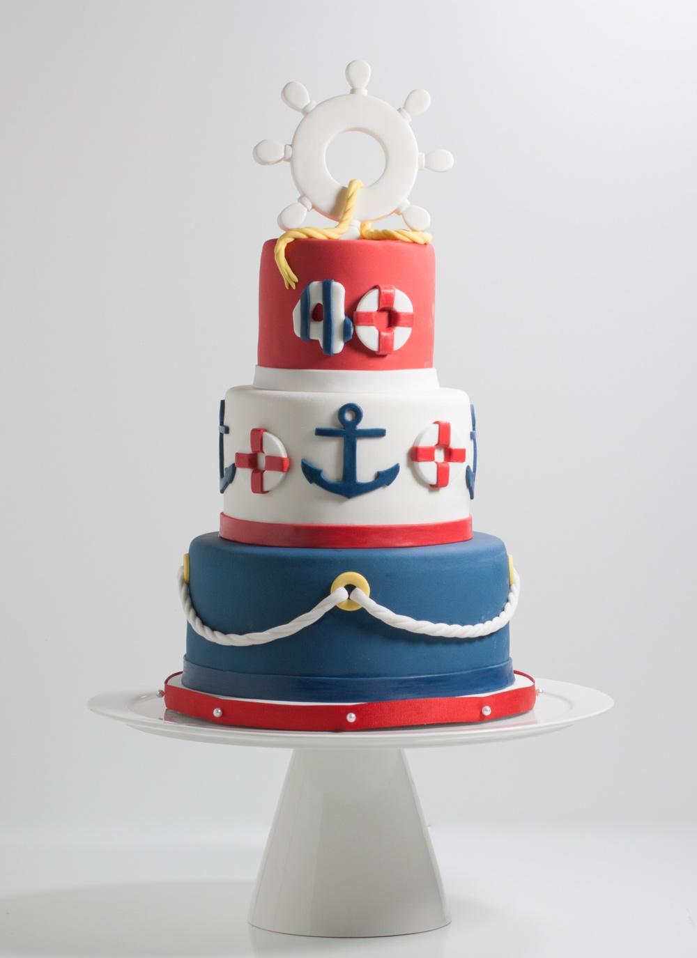 Bánh sinh nhật thủy thủ tương lai