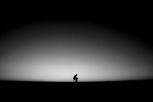 Hình ảnh cô đơn đen trắng đẹp