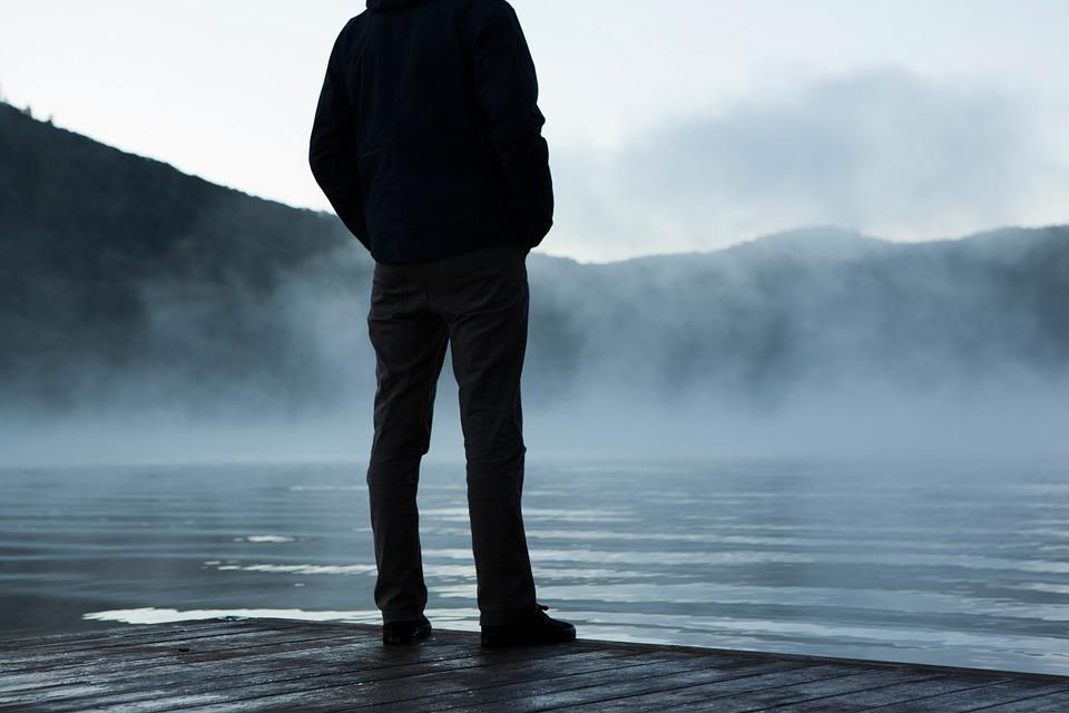 Hình ảnh mang tâm trạng buồn, cô đơn nhất