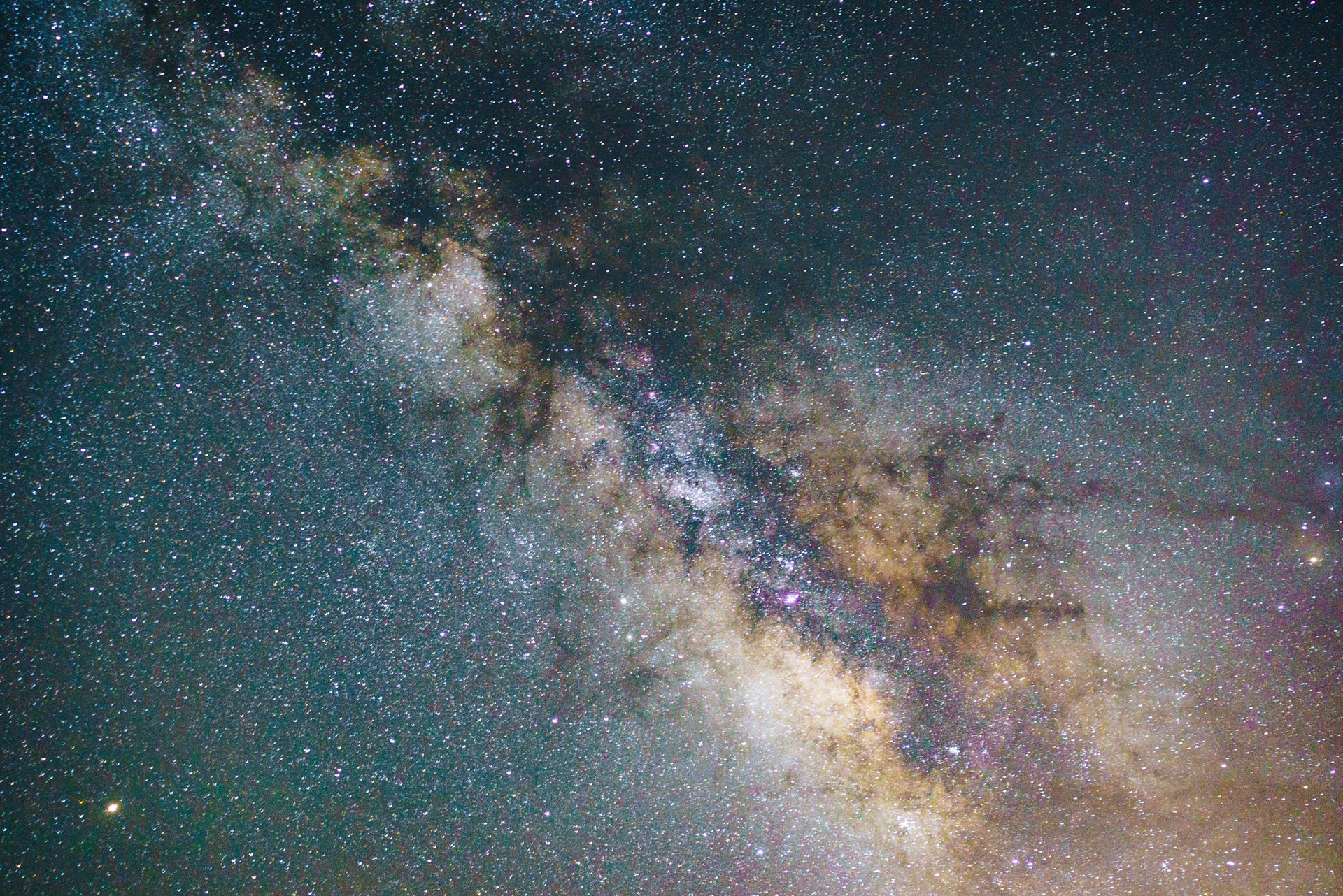 Hình nền dải ngân hà huyền ảo