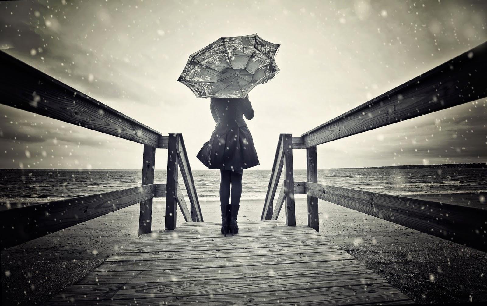 Hình ảnh buồn và cô đơn đẹp nhất của cô gái