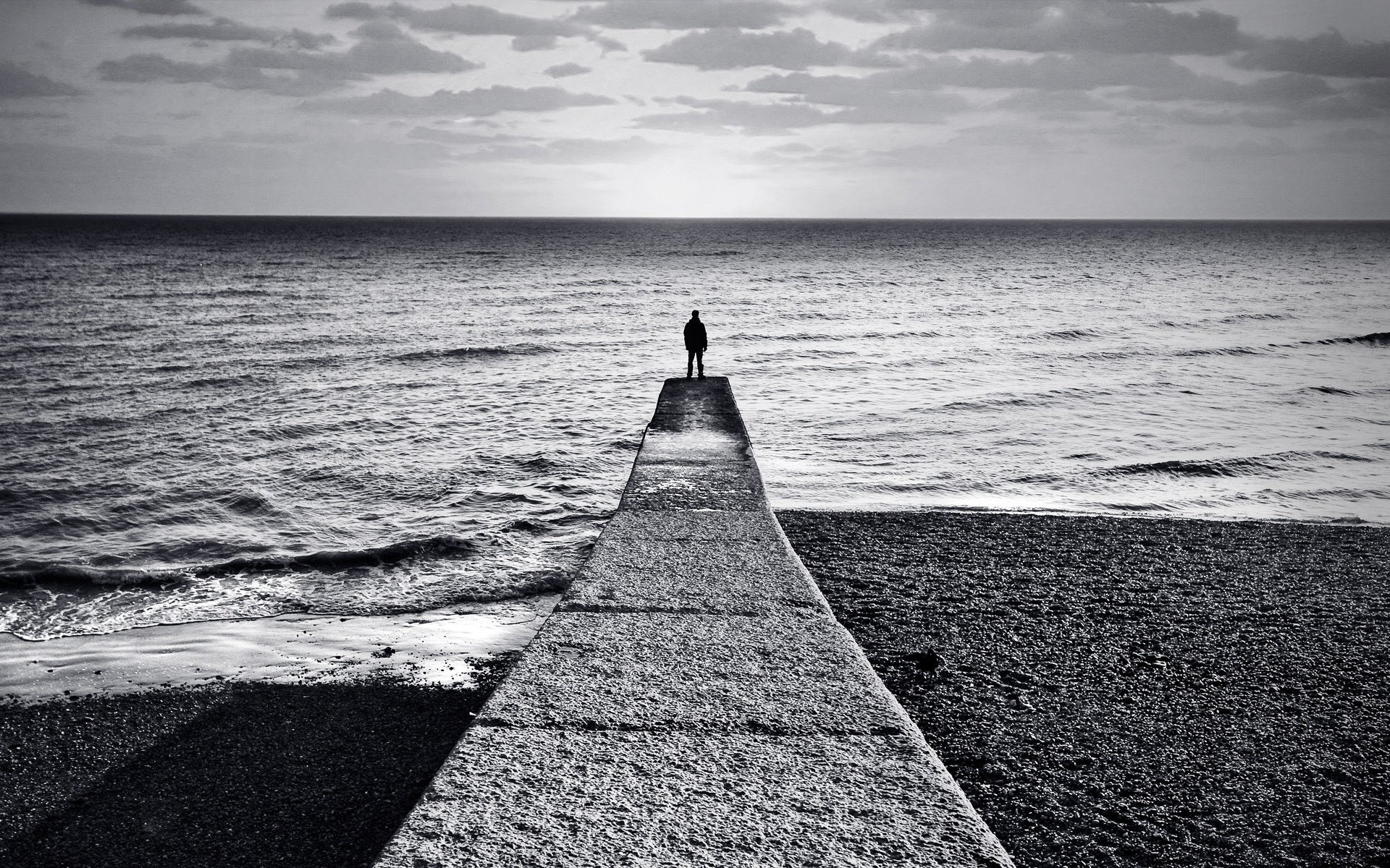 Hình ảnh chàng trai cô đơn lạc lõng nhất trong cuộc sống