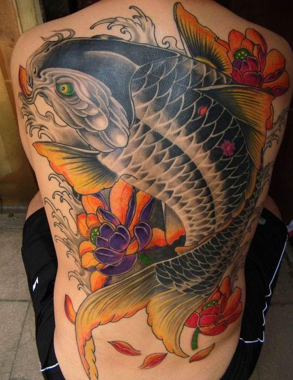 Hình xăm cá chép hoa sen kín lưng đẹp nhất