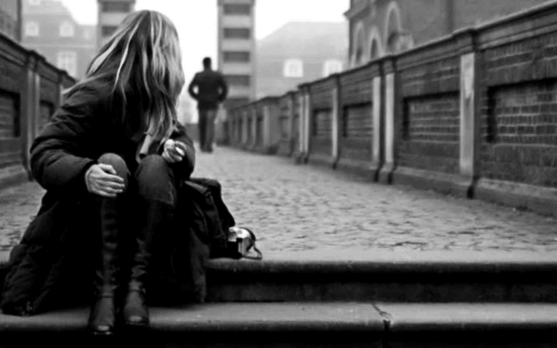 Những hình ảnh buồn cô đơn nhất trong tình yêu và cuộc sống