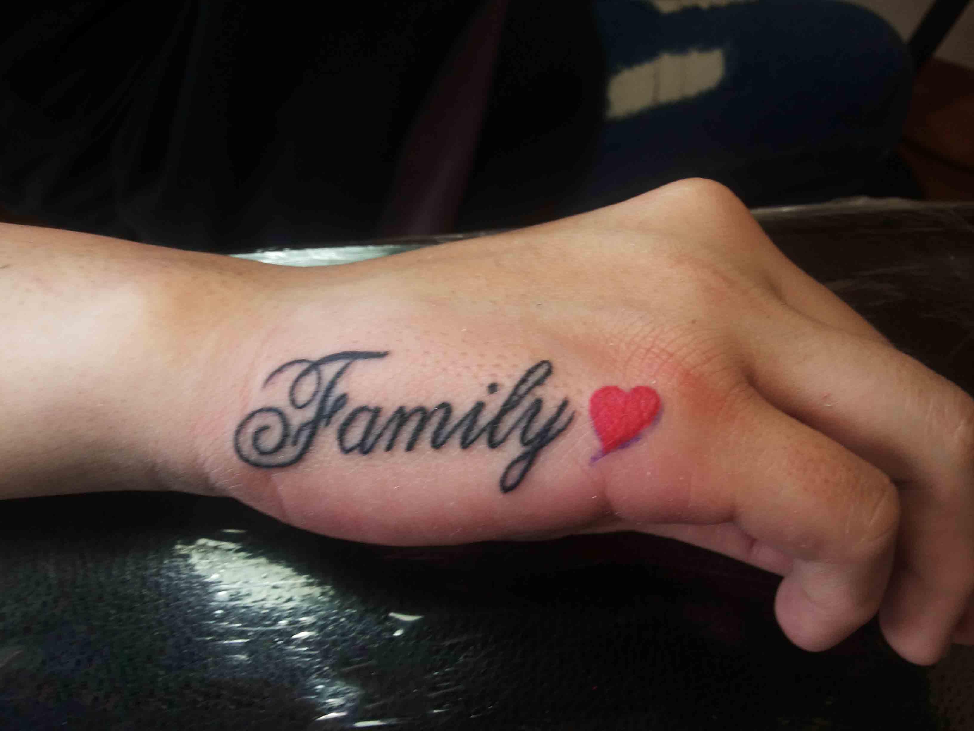 Hình xăm chữ đẹp và ý nghĩa về  gia đình