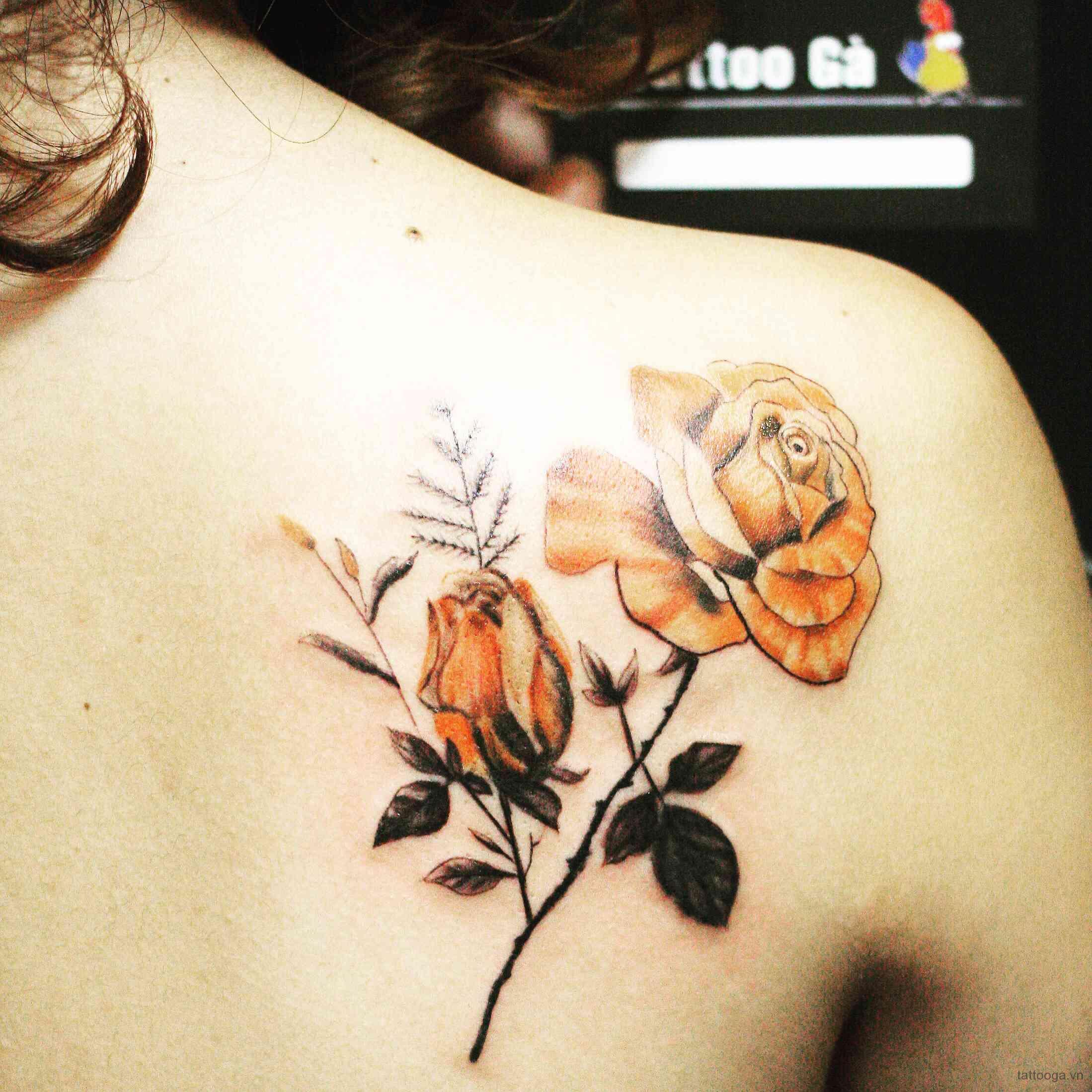 Hình xăm hoa Hồng ở vai đơn giản nhất dành cho nữ