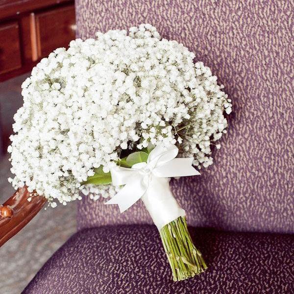 Bó hoa cầm tay cô dâu đơn giản cực đẹp