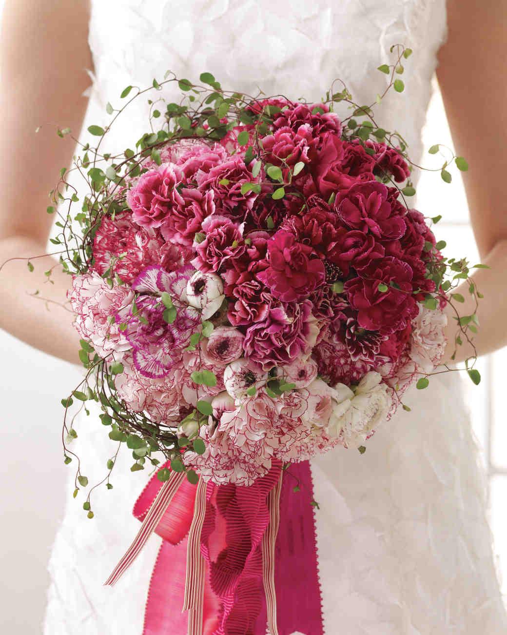 Hình ảnh mẫu hoa cầm tay cô dâu đẹp