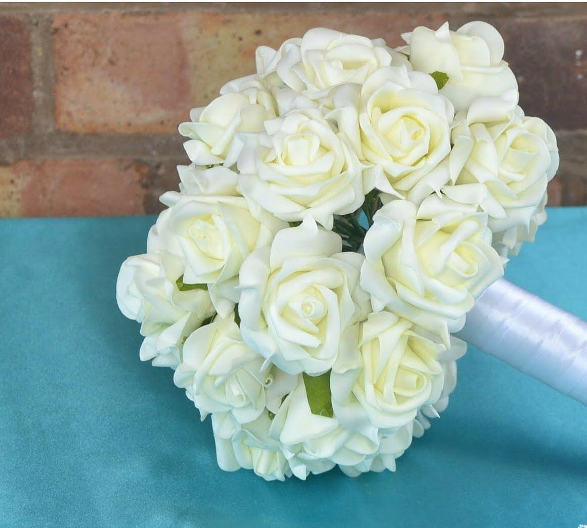 Hoa cưới cầm tay đơn giản mà đẹp