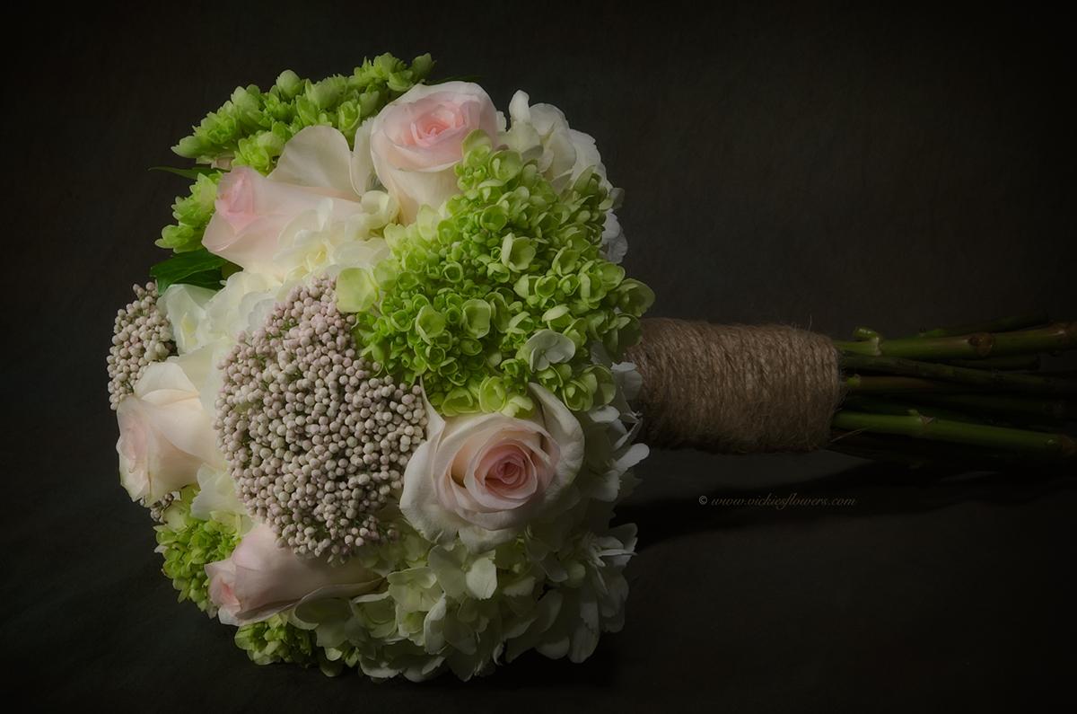 Hoa cưới cầm tay nhiều loại hoa đẹp