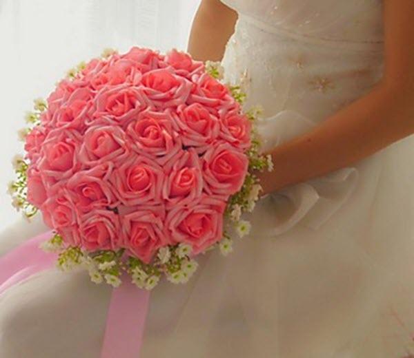 Hoa hồng cưới cầm tay