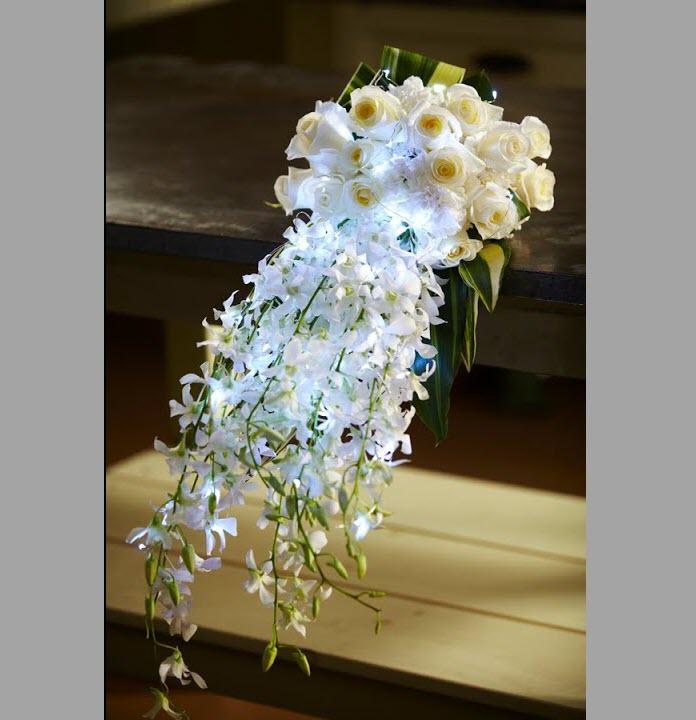 Hoa lan cưới cầm tay