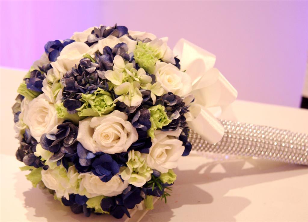 Mẫu hoa cầm tay cô dâu cực đẹp