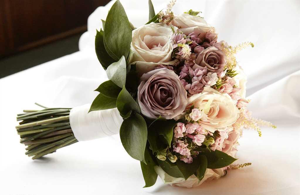 Mẫu hoa cầm tay đẹp