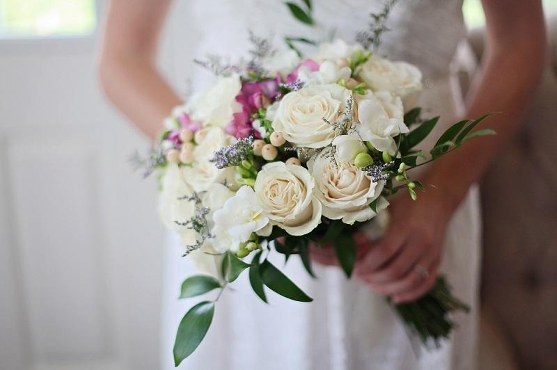 Mẫu hoa cưới cầm tay cho cô dâu