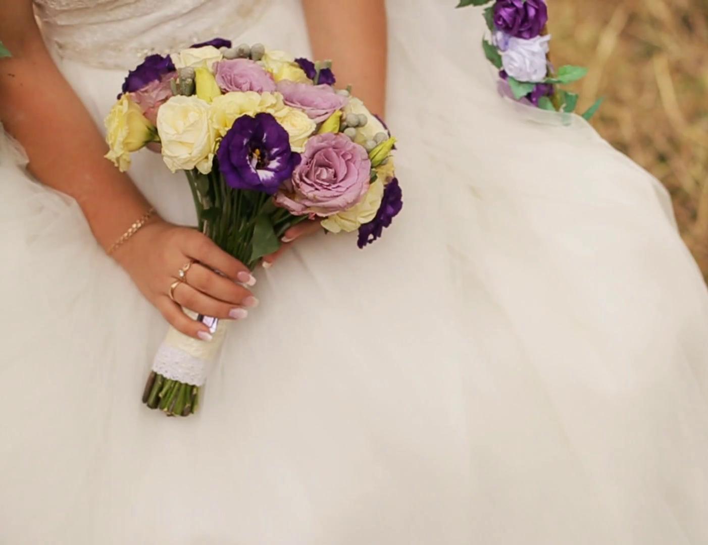 Mẫu hoa cưới cầm tay cô dâu đẹp