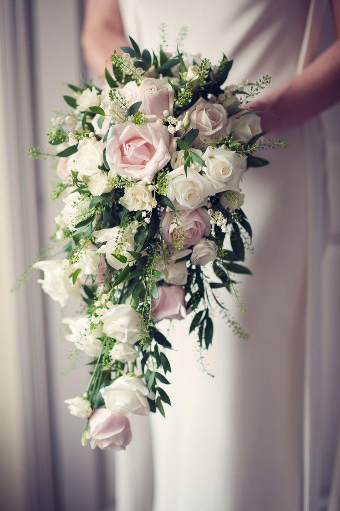 Mẫu hoa cưới cầm tay cô dâu độc đáo