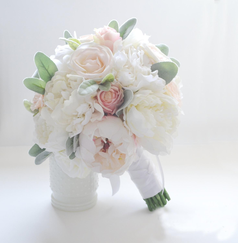 Mẫu hoa cưới cầm tay cực đẹp