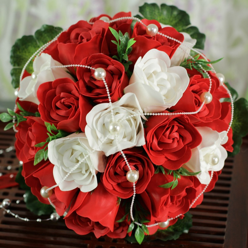 Mẫu hoa cưới cầm tay đẹp nhất từ hoa hồng