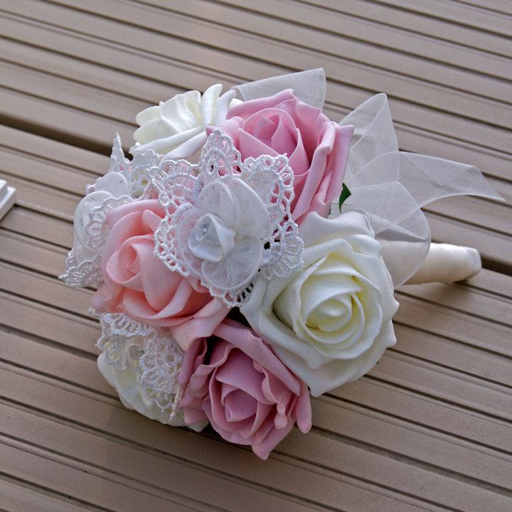Mẫu hoa cưới đẹp cho cô dâu cầm tay