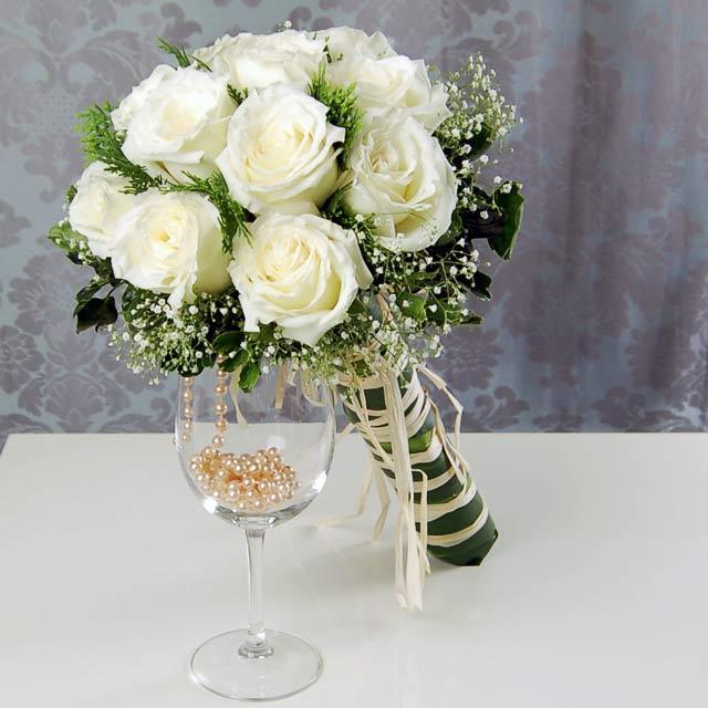 Mẫu hoa cưới màu trắng đơn giản đẹp