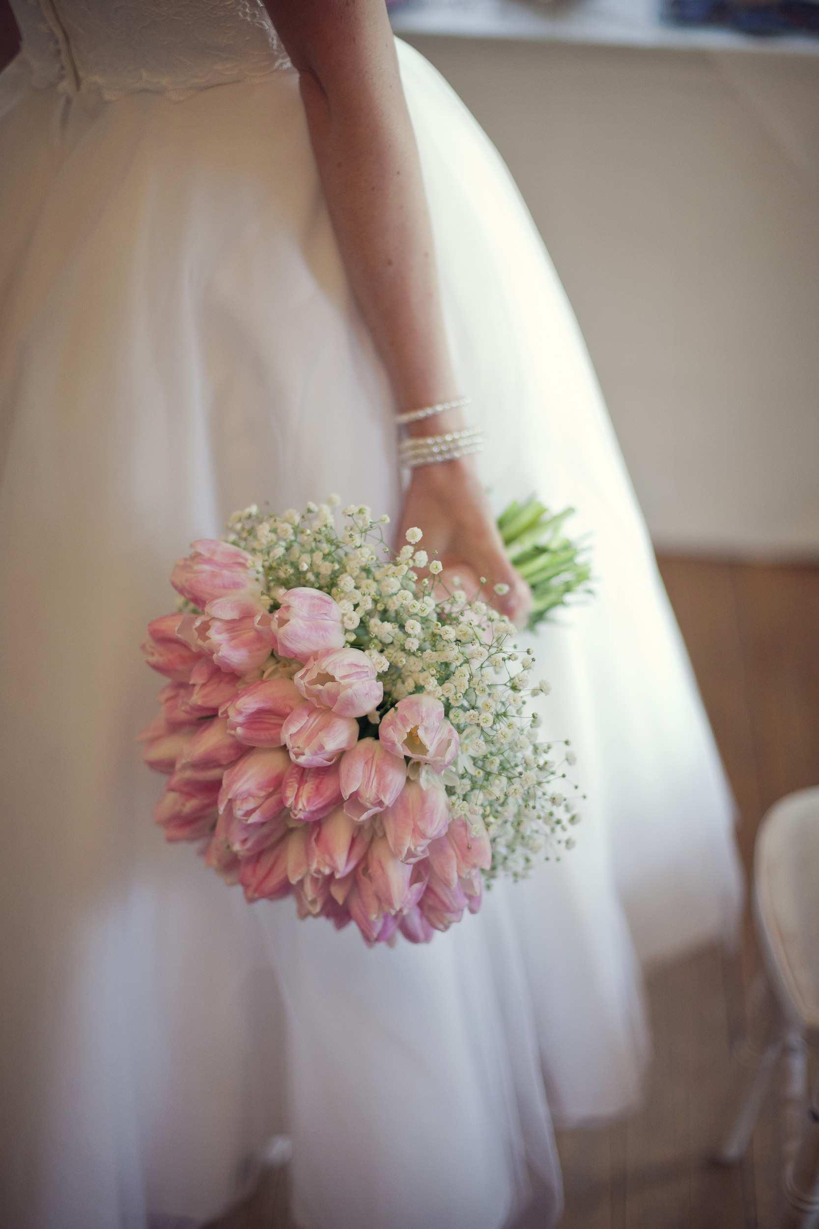 Những mẫu hoa cưới cầm tay đẹp