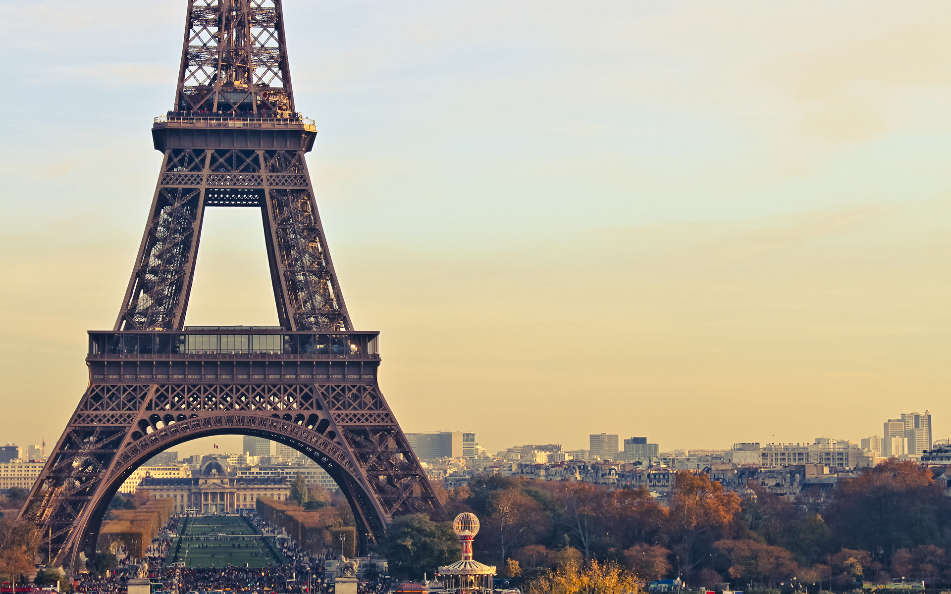 Ảnh nền khung cảnh Paris với tháp Eiffel