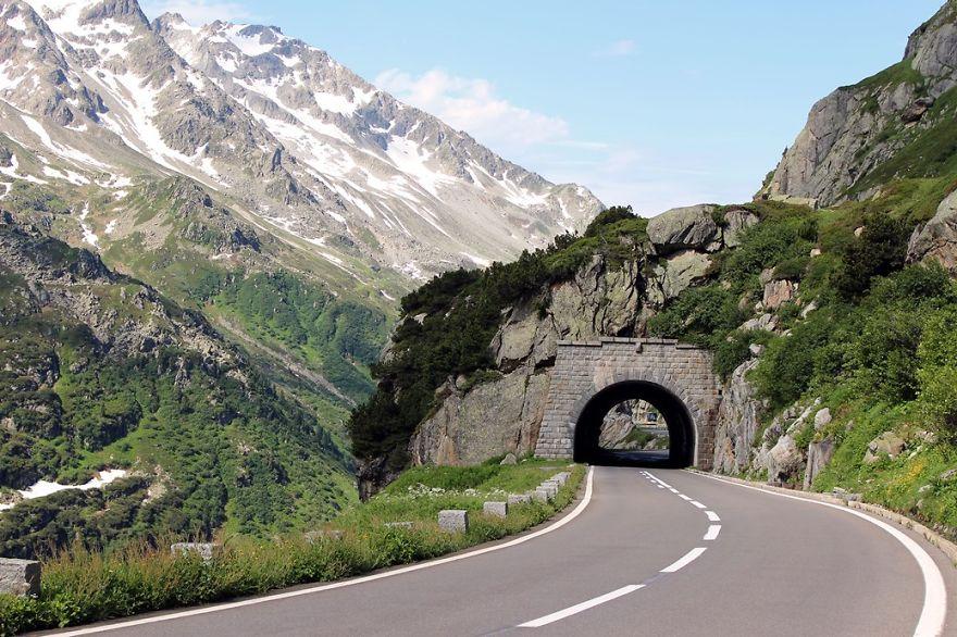 Ảnh con đường qua núi đẹp