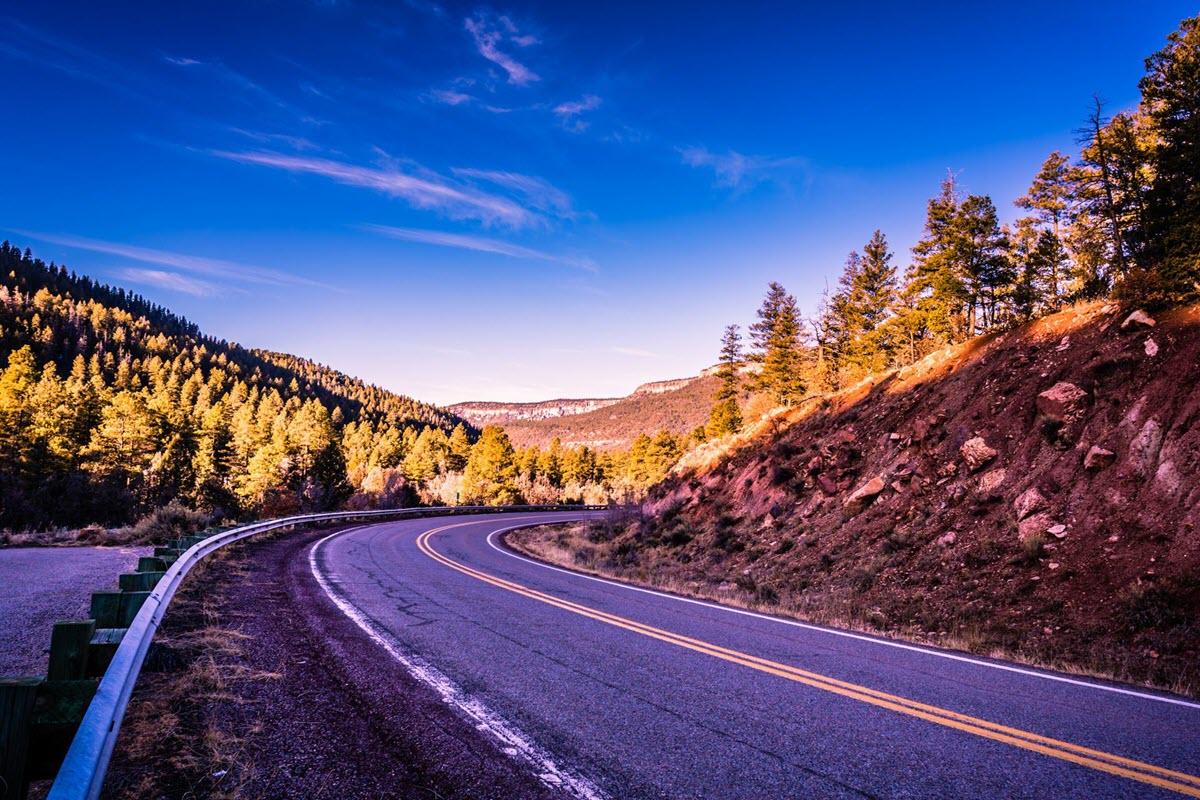 Hình ảnh con đường qua núi đẹp