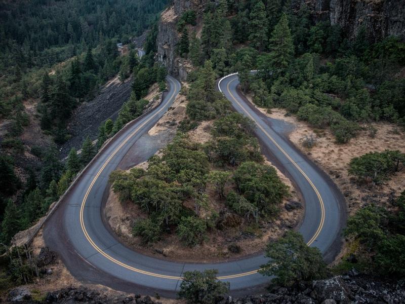 Hình ảnh con đường quanh co