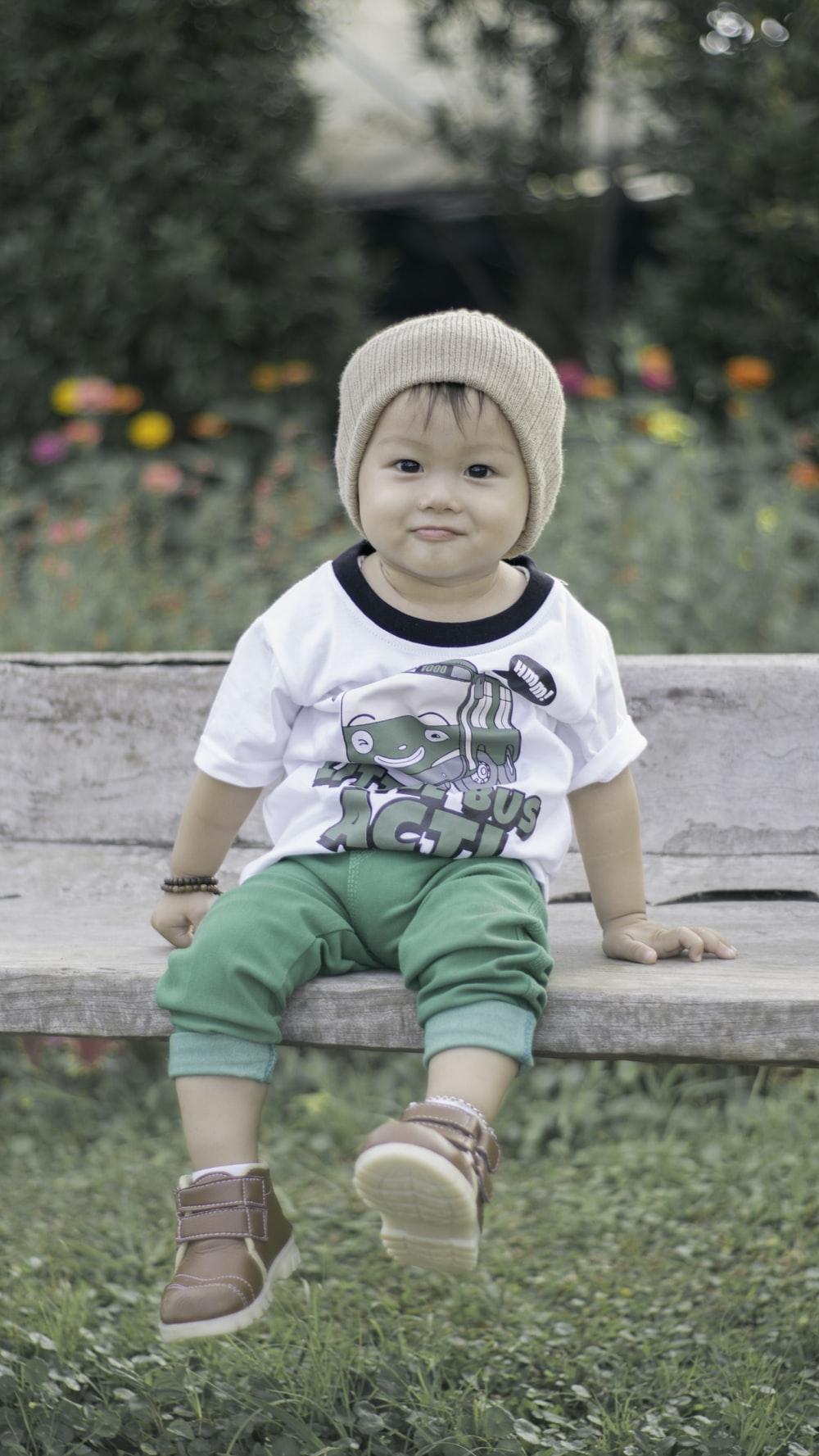 Bé trai xinh đẹp cùng bộ đồ phối cực chất