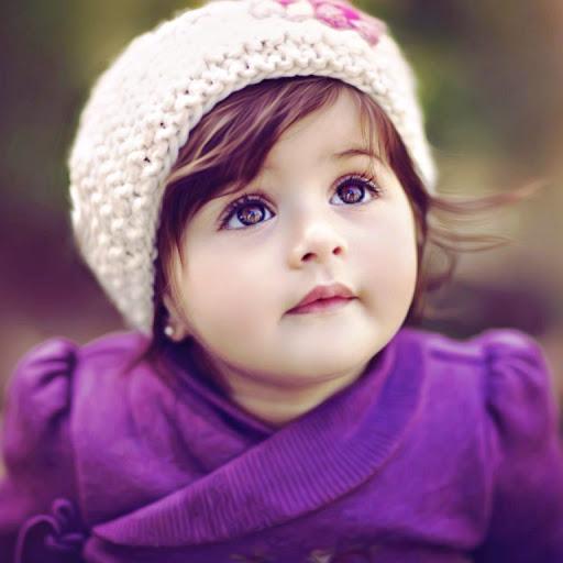 Cô bé xinh xắn với đôi mắt cực đẹp