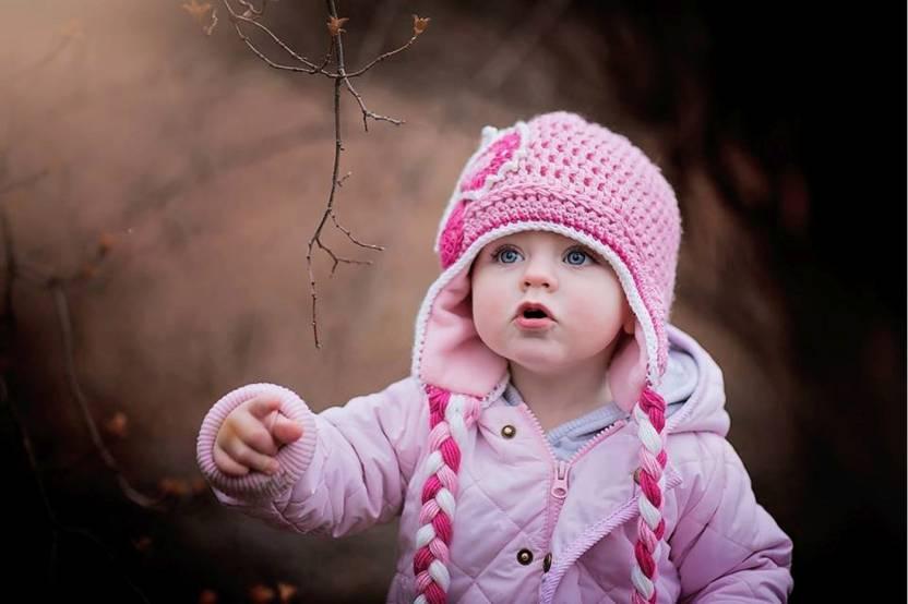 Em bé đồ hồng xinh xắn cực kỳ