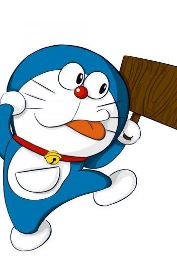 Hình ảnh chú mèo máy Doraemon cầm cái biển gỗ