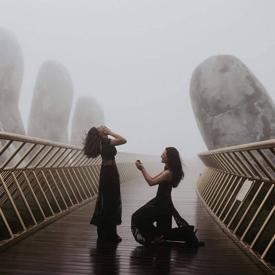 Cặp đôi đồng tính nữ cầu hôn với nhau ở Đà Nẵng