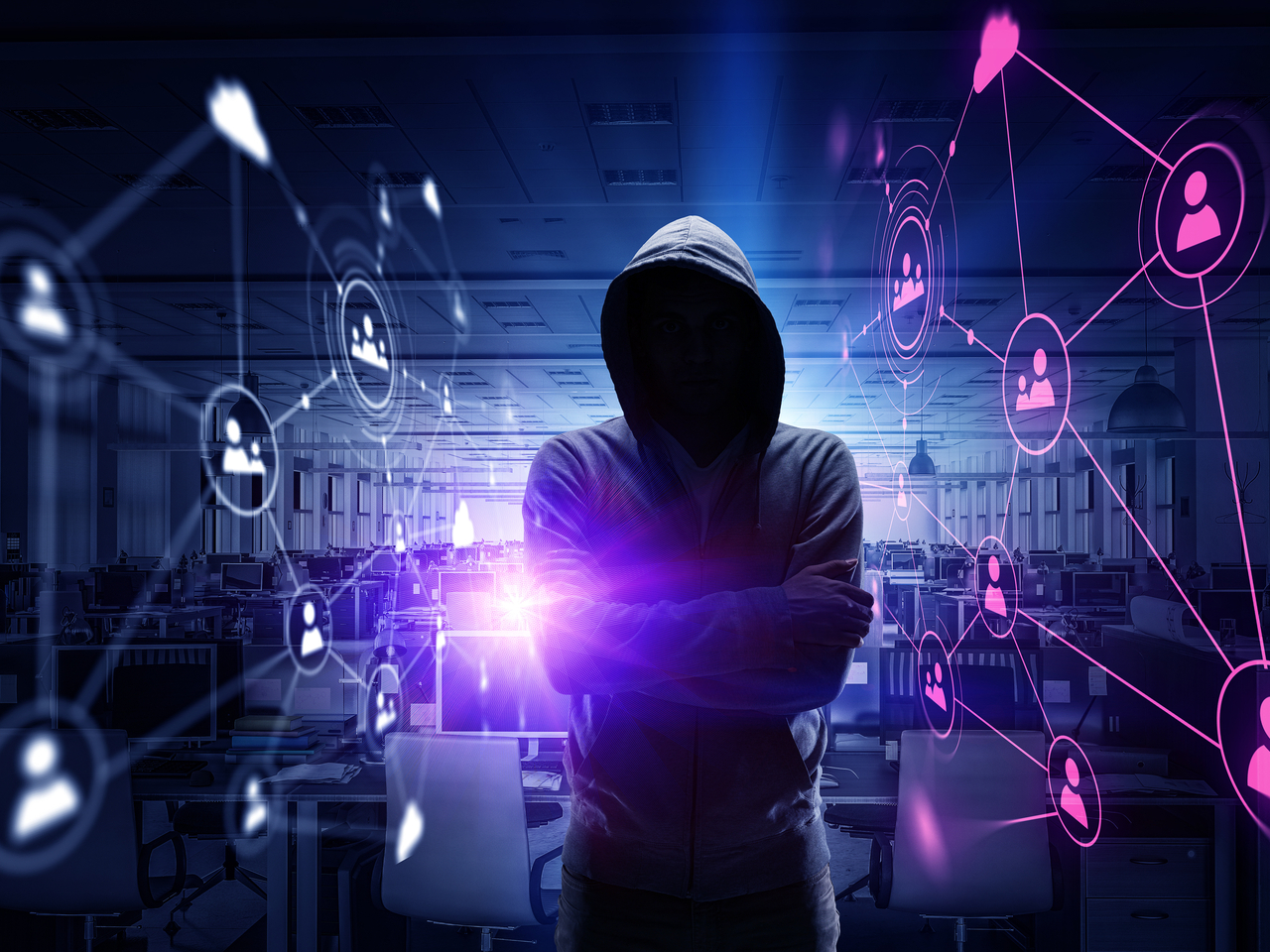 Hình ảnh Hacker khoanh tay những kết nối màu tím