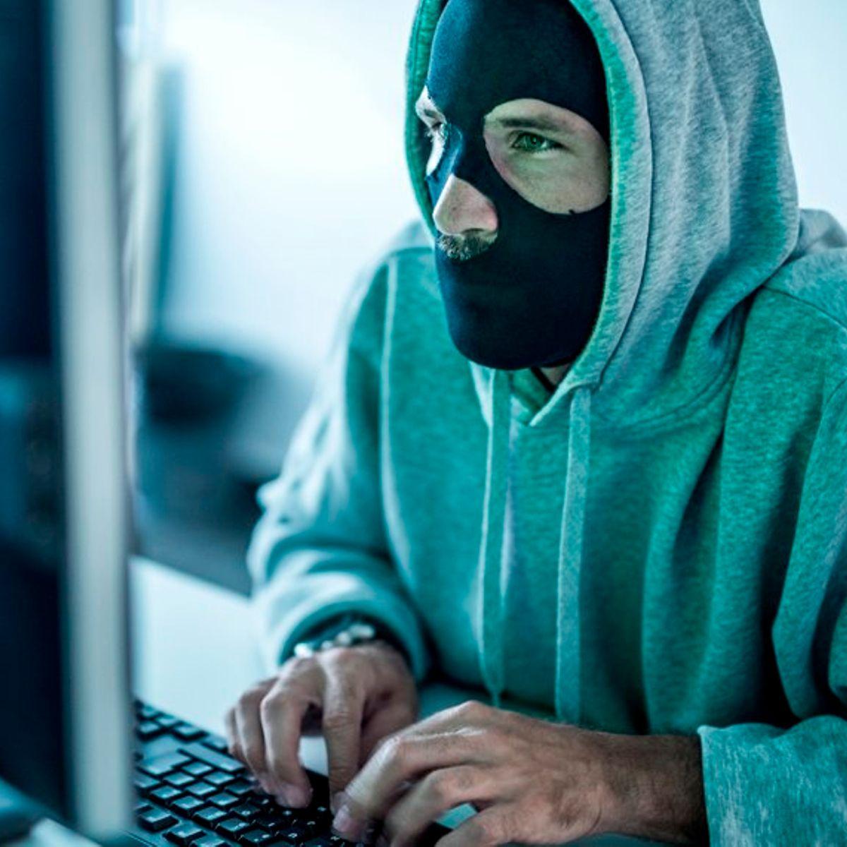 Hình ảnh Hacker tên tội phạm bị tmặt