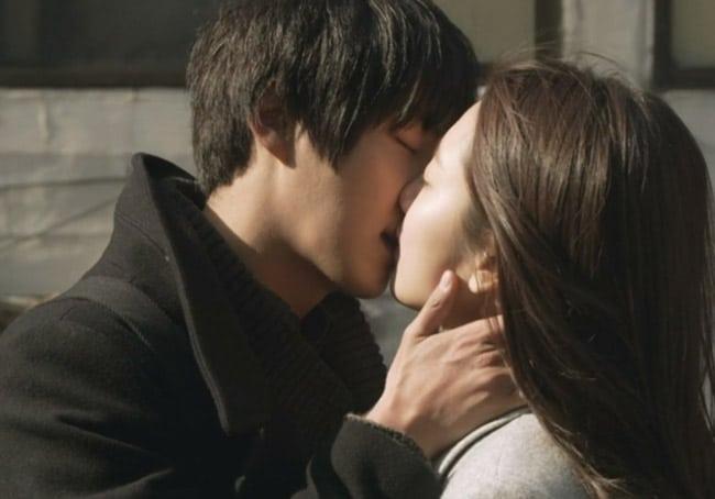 Hình ảnh lãng mạn tình yêu nụ hôn đẹp