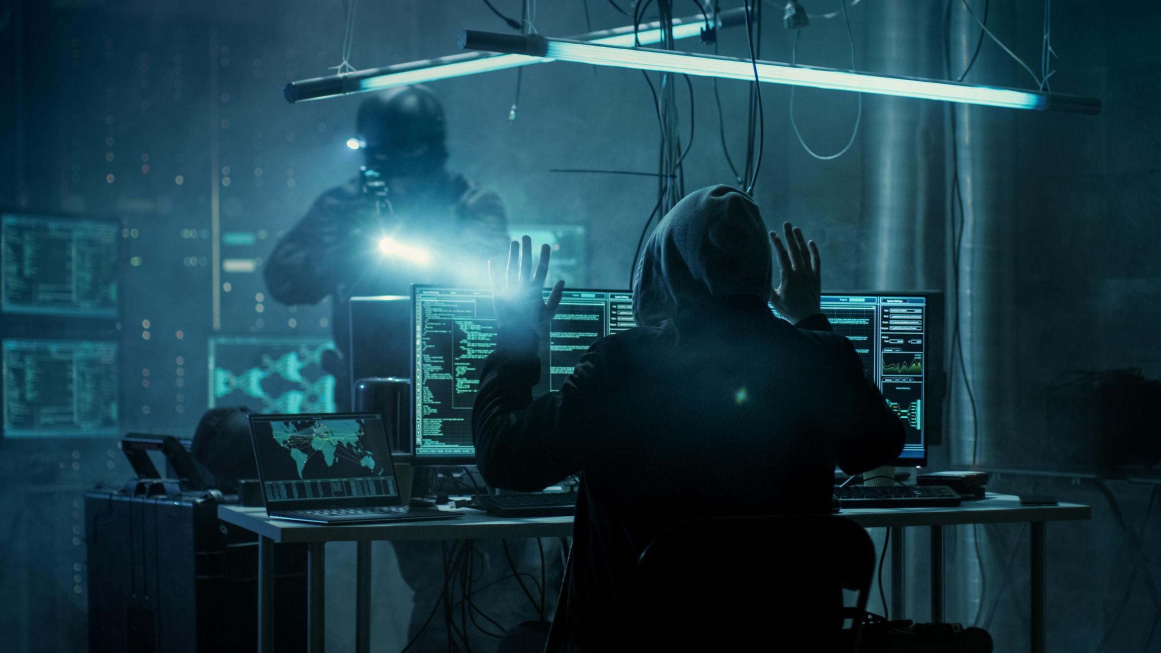Hình ảnh tên tội phạm Hacker đã bị bắt