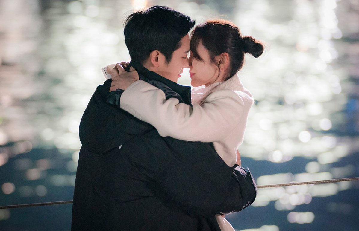 Hình ảnh tình yêu nụ hôn lãng mạn