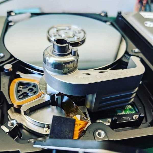 Quá trình cứu dữ liệu ổ cứng của Võ Nguyễn
